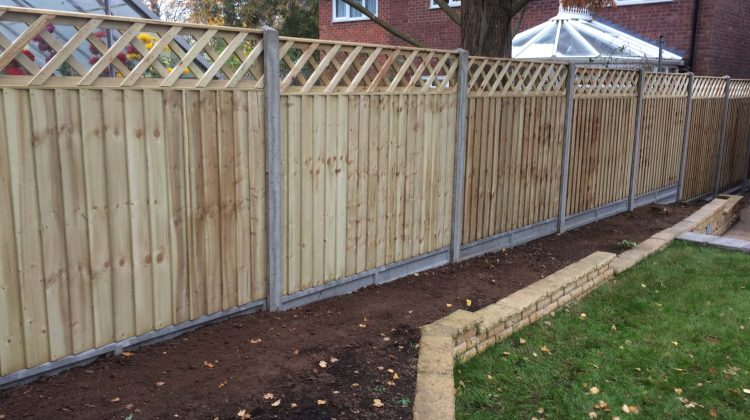 featheredge fence panels on concrete posts